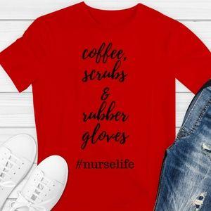 COFFEE SCRUBS & RUBBER GLOVES NURSE Red Tshirt